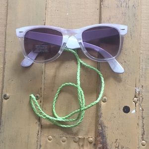 URBAN OUTFITTERS UNISEX 80s CROAKIE ST SUNGLASSES